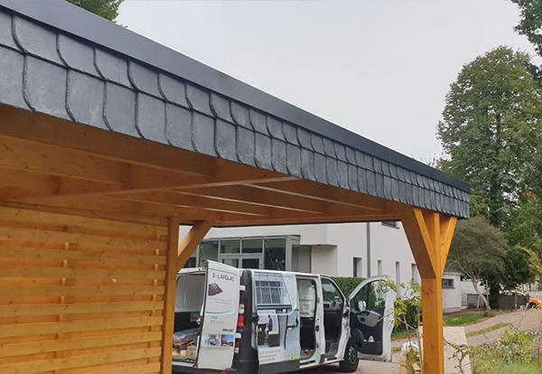 Carport mit Holzgarage
